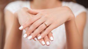 Transmite mesajul potrivit cu un inel de logodna special