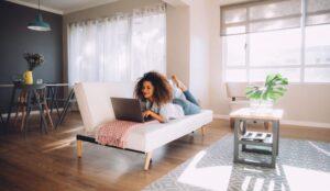 Poti fi la moda si cand stai acasa? Bobomoda iti ofera articolele potrivite!